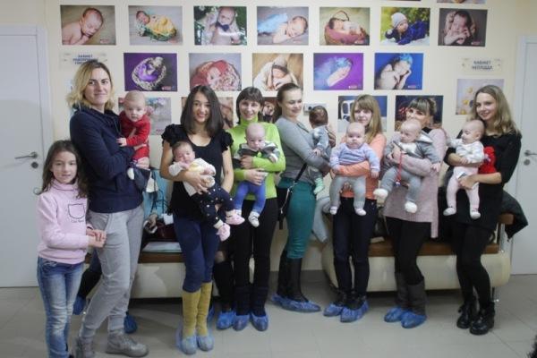 Такого у Рівному ще не було: в перинатальному центрі відкрили фотовиставку немовлят