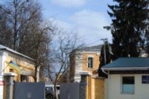 Рівненський військовий госпіталь матиме новий паркан (Фото)