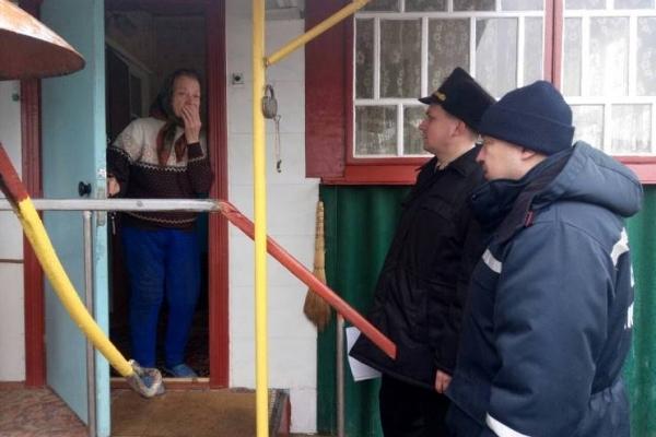 Рівненські рятувальники навчали місцеве населення (Фото)