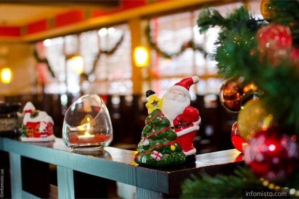 Рівненські ресторани працюватимуть у новорічну ніч до ранку