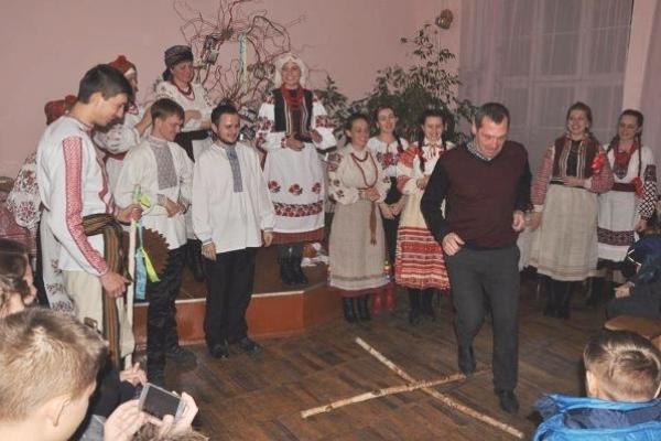 Декаду народних зимових свят в Інституті мистецтв РДГУ відкрили Андріївськими вечорницями
