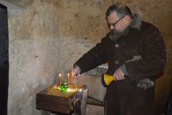 У Здолбунові облаштовують капличку-крипту в приміщенні колишньої катівні (Фото)