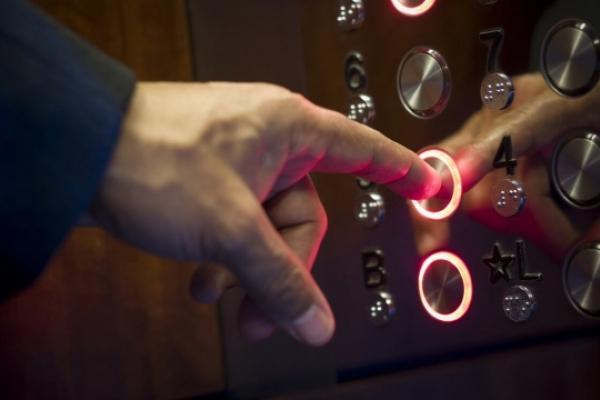 У Рівному відкрили кримінальні провадження через несправні ліфти