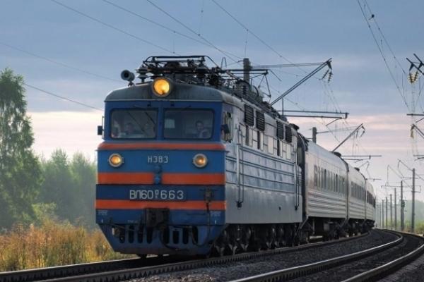 На Рівненщині матір та син потрапили під потяг: є загиблі