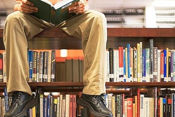 В Острозі планують «оживити» бібліотеку