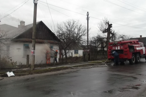 У Володимирці горів житловий будинок (Фото)