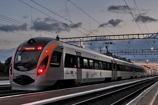 На Рівненщині призначили додатковий рейс денного швидкісного поїзда