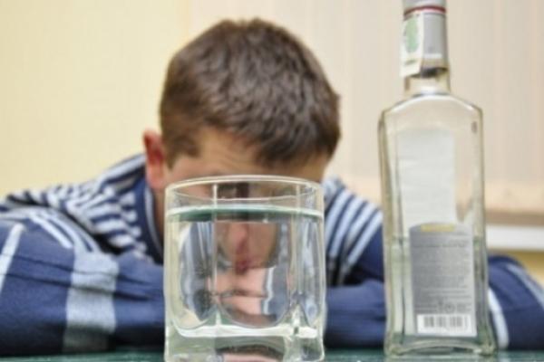 Через алкоголь студент впав в кому