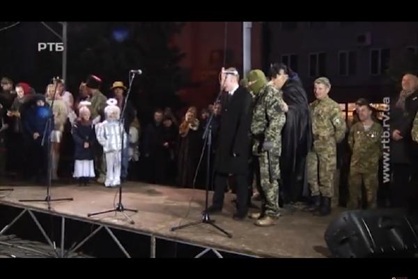 Путін, «зелені чоловічки» та перемога добра над злом: у Рівному виступають незвичайні вертепи (Відео)