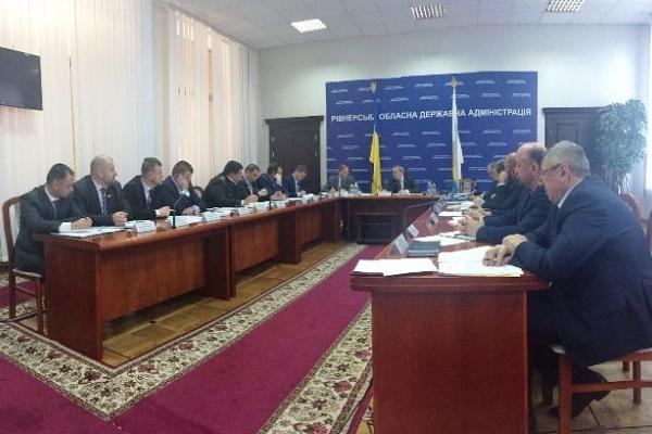Рівненська ОДА звернеться до ВРУ щодо легалізації видобутку бурштину