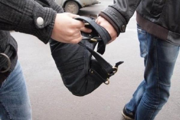 У Рівному молодик пограбував пенсіонера з Полтави