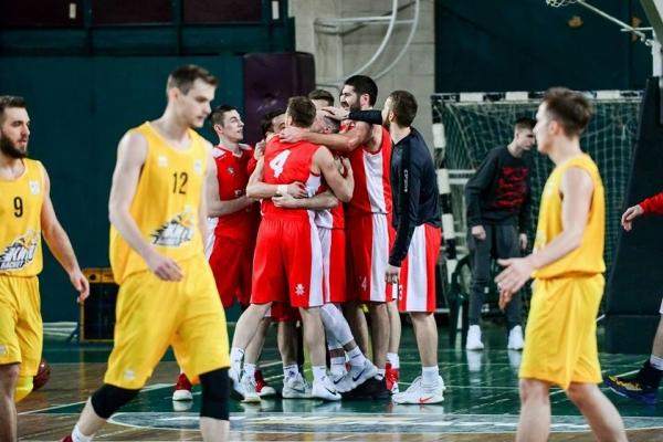 """Баскетбольний клуб """"Рівне"""" новий рік розпочав з перемог"""