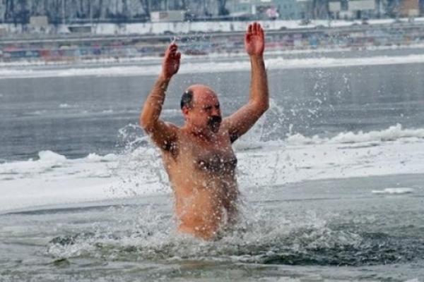 Рятувальники закликають рівнян обережно купатися на Водохреща (Правила купання)