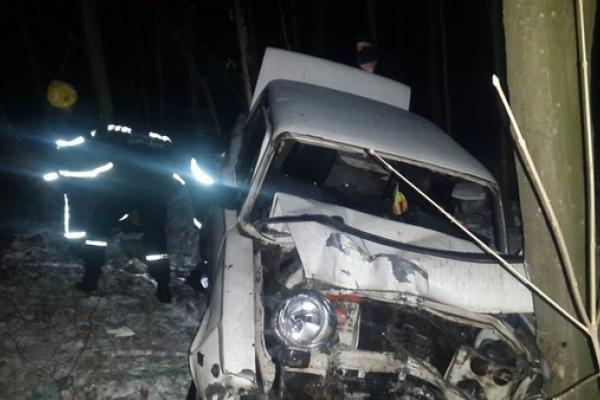 На Рівненщині чергова ДТП: двох потерпілих забрали у лікарню (Фото, Відео)
