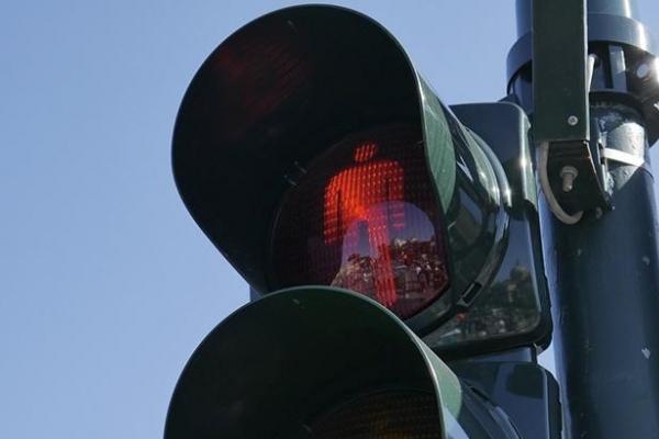 В Острозі вимикають світлофор через погодні умови