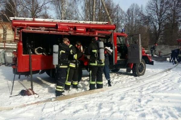 Рівненські рятувальники провели навчання на території онкодиспансеру (Фото)