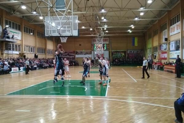 Рівненські баскетболісти здобули перемогу (Фото)