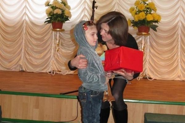 Дітки загиблих та поранених воїнів з Острожчини отримали подарунки (Фото)