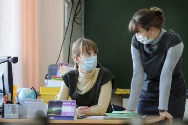 Цього тижня карантин оголосили у всіх школах Острога та Корецького району