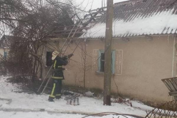 На Рівненщині під час ліквідації пожежі рятувальники виявили тіло загиблого чоловіка