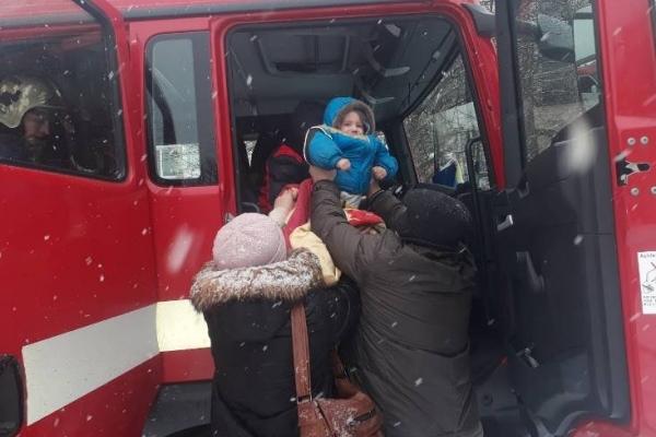 У Рівному рятувальники евакуювали мешканців багатоповерхівки (Відео)