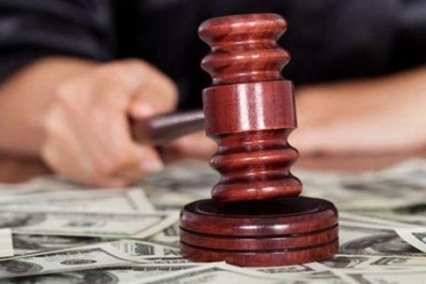 Держслужбовця на Рівненщині засудили за корупцію