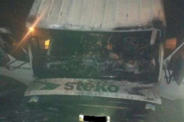На Рівненщині згоріла вантажівка