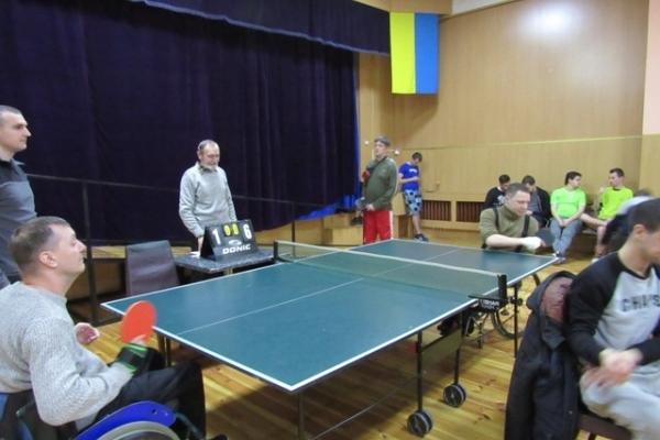 У Рівному спортсмени змагалися за першість з тенісу