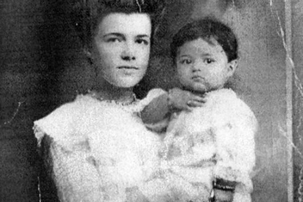 Родина з села Новостав на Рівненщині встановила зв'язок з онукою своєї родички, що стала принцесою Сіаму (ВІДЕО)