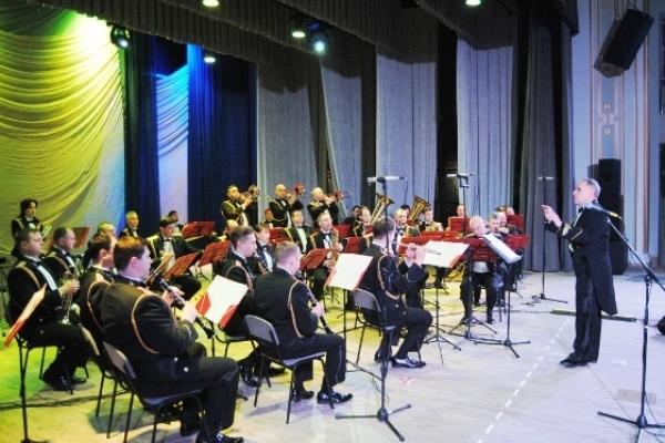 Національний президентський оркестр привітав жінок Рівненського гарнізону з нагоди Міжнародного жіночого дня – 8 березня