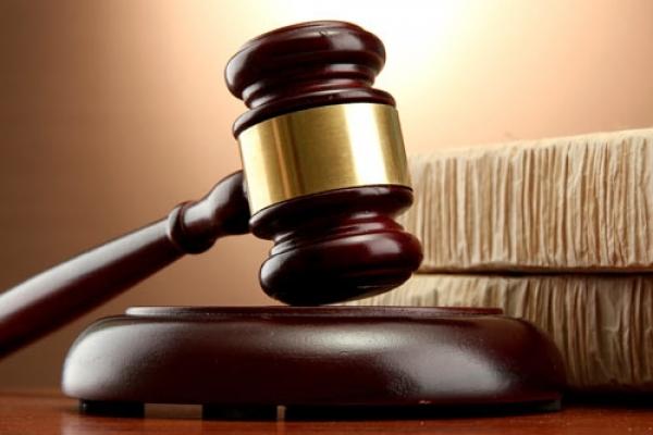 На Рівненщині начальник місцевої прокуратури вимагав у жінки 2500 доларів США