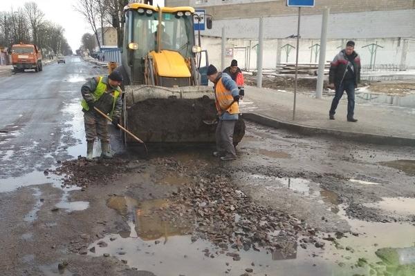 На Костопільщині ремонтують дороги за новітніми технологіями (Фото)