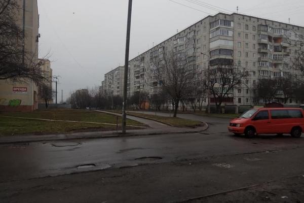 Як зникають пішохідні переходи у Рівному (Фото)