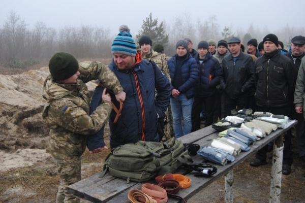 На Рівненщині обласний військовий комісаріат провів для резервістів заходи Єдиного стрілецького дня