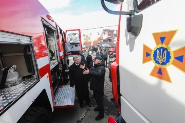 Нову техніку отримали рятувальники Рівненщині від Президента України (Фото)