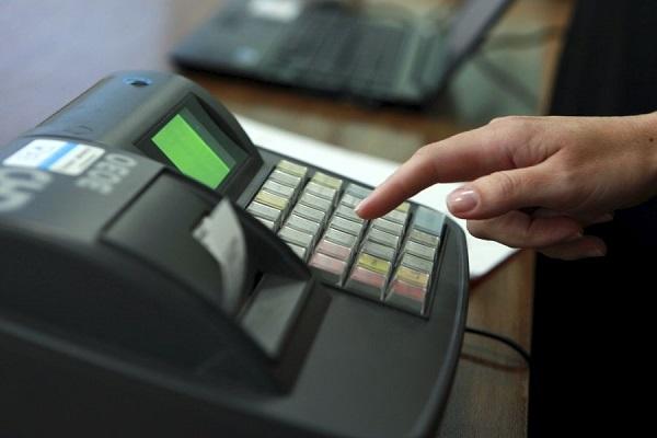 Підприємці Рівненщини, які вже заробили мільйон, мусять купити касовий апарат