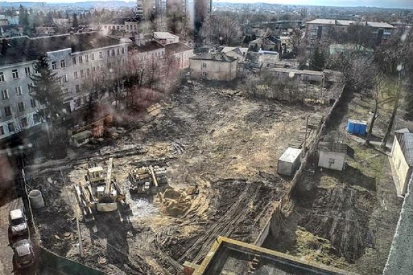 Будівництво на Толстого: суд став на сторону забудовника