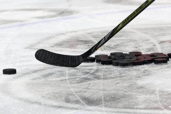 Рівненські команди зіграли між собою у півфінальному поєдинку відкритого Чемпіонату Волині з хокею