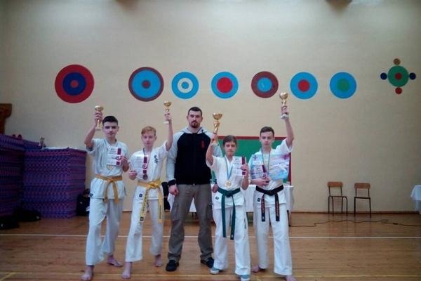 Рівненські каратисти здобули золото на змаганнях Відкритого Кубку Житомирщини