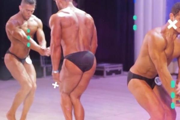 Як у Рівному виступали напівголі чоловіки та жінки з красивими тілами (Відео)