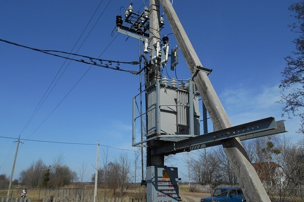 У селі на Рівненщині – нова трансформаторна підстанція (Фото)