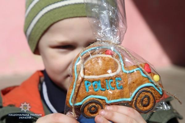 Понад 50 тисяч гривень зібрали рівненські поліцейські на операцію півторарічному Матвію Стрільчуку