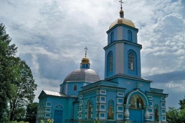 На Рівненщині представники УПЦ (МП) переконують, що виводили їх з храму бійці добровольчих батальйонів