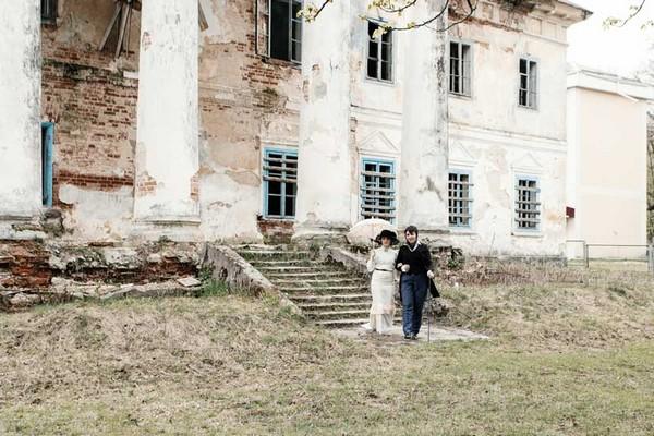 На Рівненщині влаштували надзвичайну фотосесію у старовинному палаці (Фото)