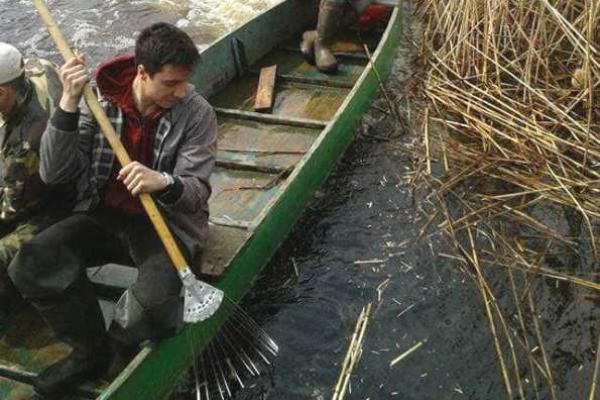 Як у Нобелі на рівненському Поліссі озеро чистили