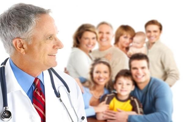 На Рівненщині сімейні лікарі продовжують активно підписувати декларації з пацієнтами