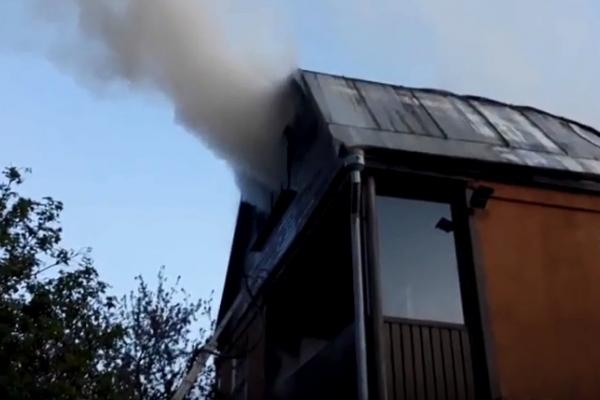 Рівненські вогнеборці врятували дачний житловий будинок (Фото, відео)