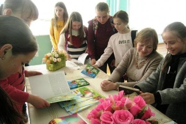 Творча зустріч з відомою дитячою письменницею відбулася у Квасилівському НВК