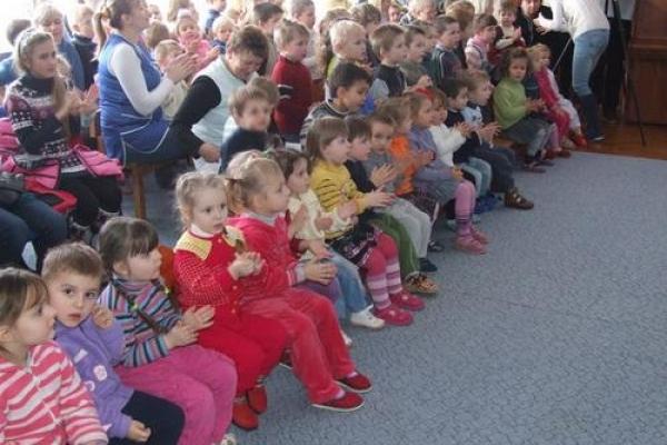 5 травня в Рівненський будинок дитини прийдуть актори з веселою виставою