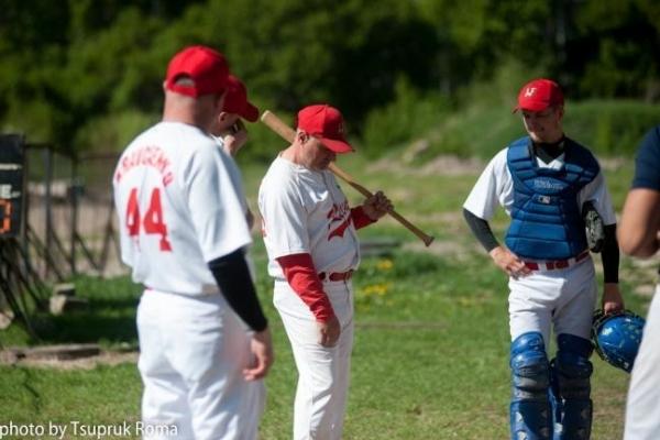 Рівненська бейсбольна команда «Західний вогонь»  розпочала новий чемпіонат